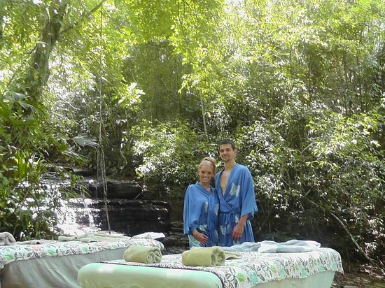 Waterfall Villas: Couples Massage at the Villas