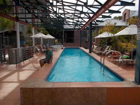 Protea Hotel by Marriott Cape Town Victoria Junction: Pool.