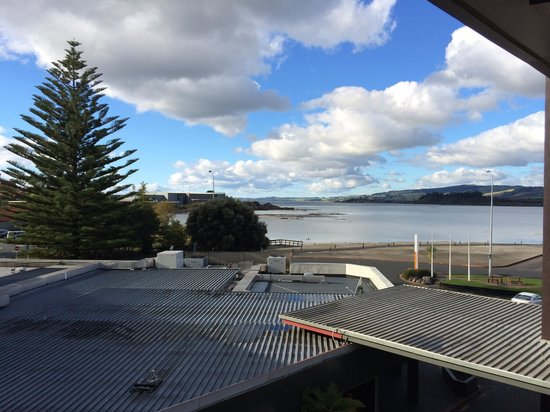 Sudima Hotel Lake Rotorua : Great location with lake view. Can enjoy the view in the balcony