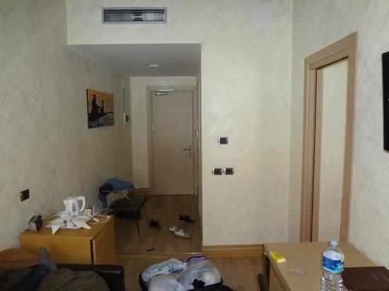 Best Western Hotel Armando: Вход в номер