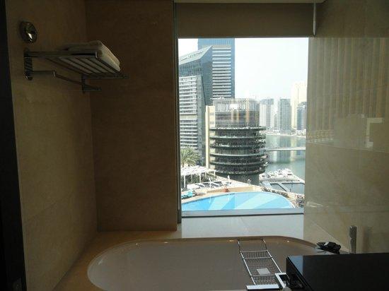Address Dubai Marina : Blick vom Bad