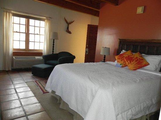 Abiquiu Inn: My room