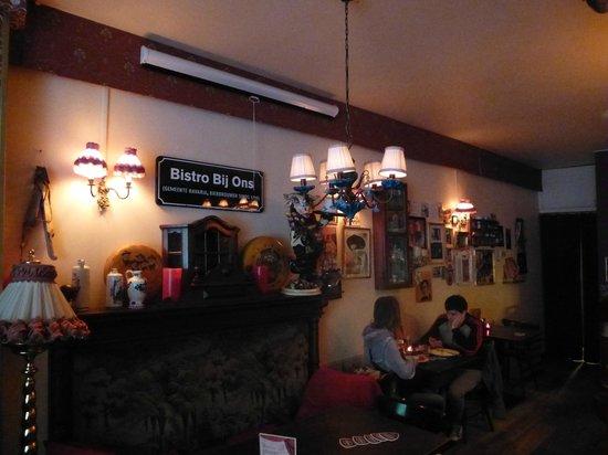 Bistro Bij Ons: intérieur restaurant