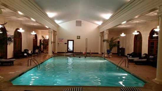 Bluenose Inn - A Bar Harbor Hotel : Indoor Pool