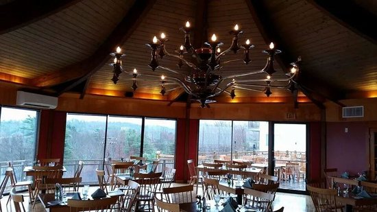 Bluenose Inn - A Bar Harbor Hotel : The Looking Glass Restaurant