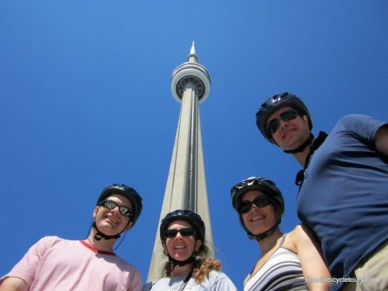Toronto Bicycle Tours : A stop by the CN Tower during our Heart of Downtown Tour
