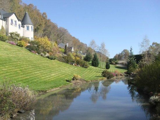 Loch Ness Lodge: Lodge mit Garten