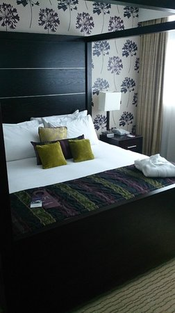 Mercure Manchester Piccadilly Hotel: Bed