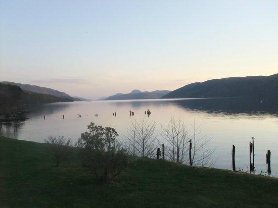 "Loch Ness Lodge: Ausblick Restaurant ""The Dores Inn"""