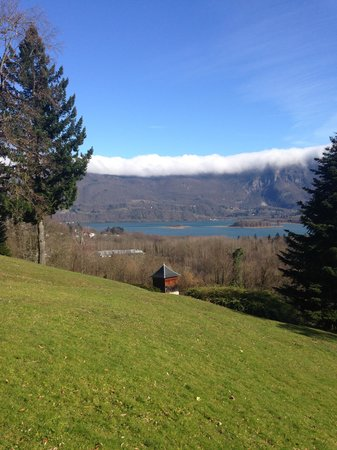 Les Lodges du Lac: View on the lake