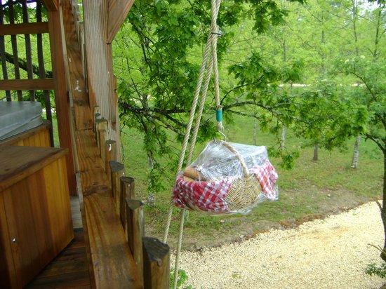 Cabanes Perchées dans les Arbres : originalité du port du petit déjeuner
