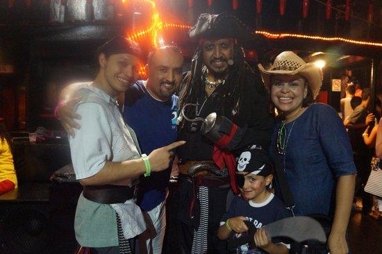 Best Day : Con el Capitun Hook Vacaciones Cancun 2014
