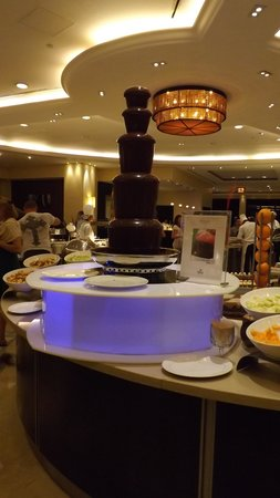 Hilton Ras Al Khaimah Resort & Spa : Not if on diet