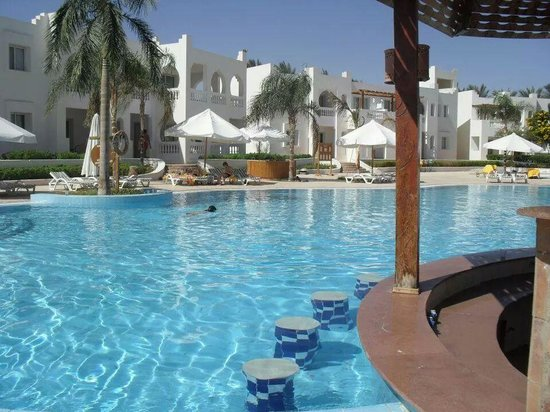 Sunrise Diamond Beach Resort : Piscina