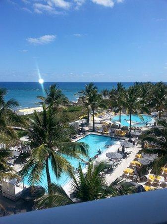 Boca Beach Club, A Waldorf Astoria Resort: Fabulous Ocean View Rooms!
