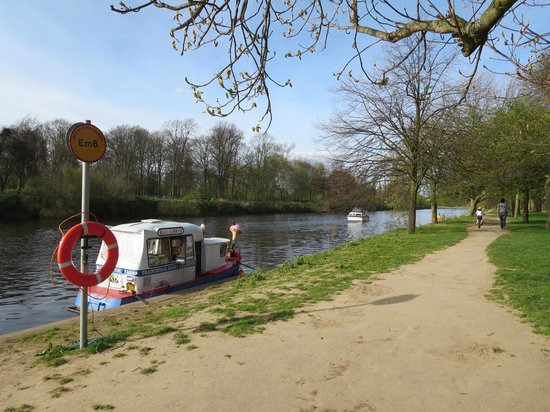 Ashbourne House: Start of the riverside walk into York - the boat sells ice cream!!!