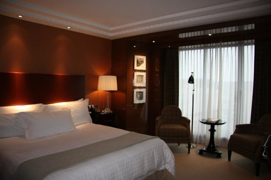 Four Seasons Hotel London at Park Lane: Premier Room