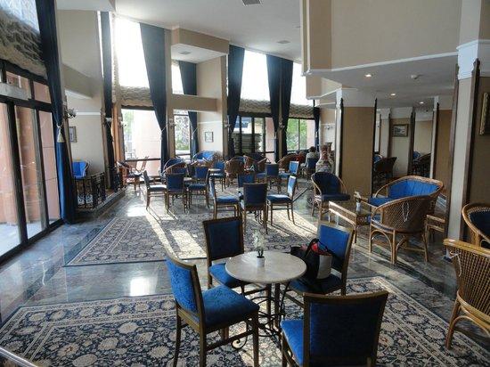 Cactus Club Yali Hotels & Resort : bar interieur