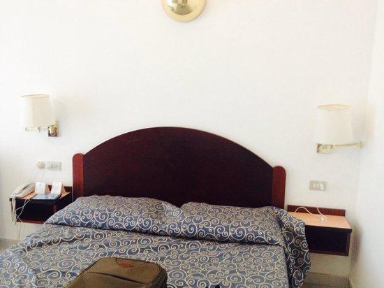 Hotel Royal Positano: Letto