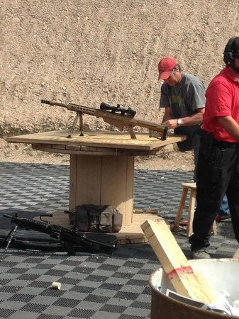 Desert Hills Shooting Club: Getting the 50 cal set up