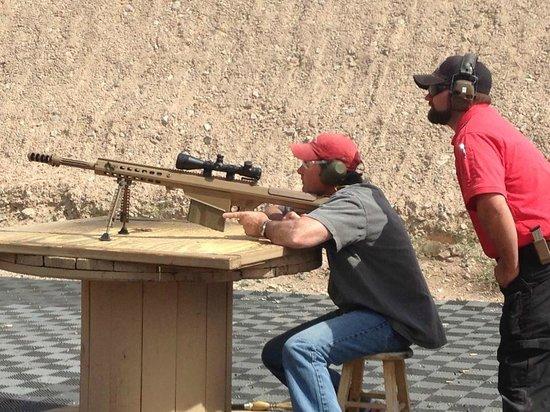 Desert Hills Shooting Club: Fire when ready!