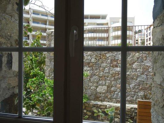 Hostellerie de l'Abbaye: Vue de la fenêtre