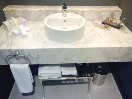 Radisson Blu Hotel Batumi: Bathroom