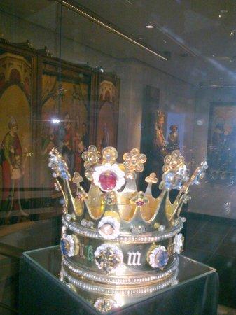 Treasury of Aachen Cathedral: la corona di Carlo Magno