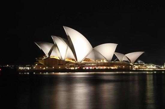 Sydney Opera House : SOH at night