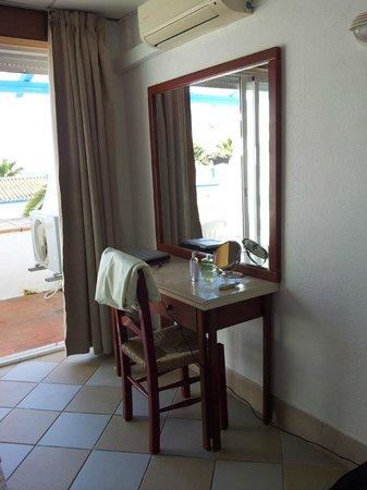 Monica Isabel Beach Club : bedroom