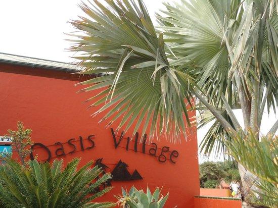 Oasis Village: hotel