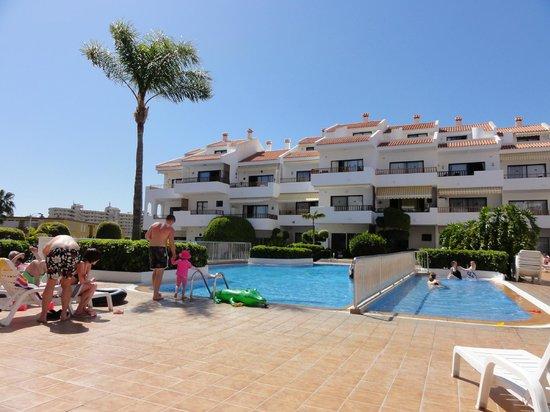 Apartamentos HG Cristian Sur: Pool area