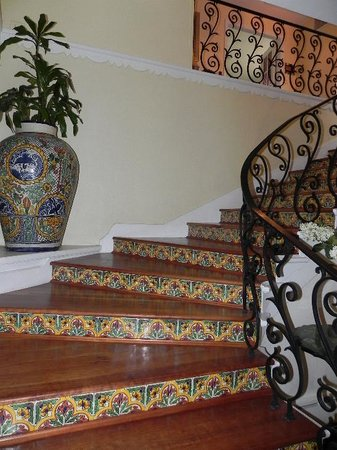 Casa Blanca Inn: That staircase!