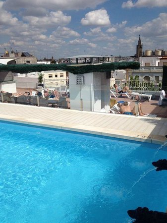 Hotel Becquer : Roof top Pool