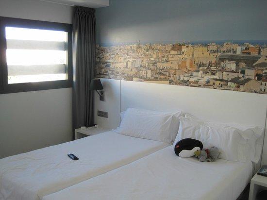 Andante : vores værelse på 9. etage - med udsigt til havnen.