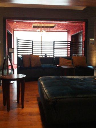 Kimpton Ink48 : main lobby lounge area