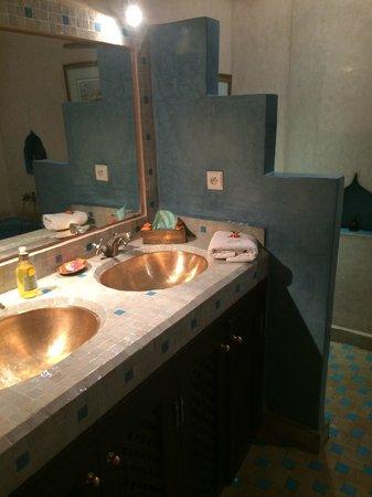 Riad Anjar: The Bathroom