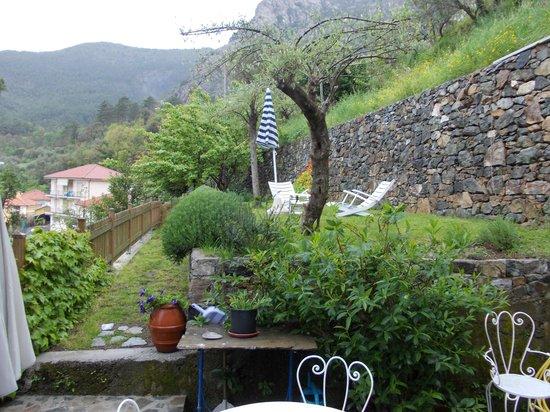 Domus Franca: il giardinetto privato 2