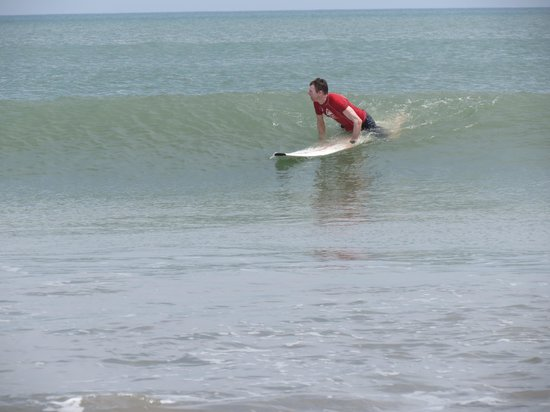Panama Surf School: surfing