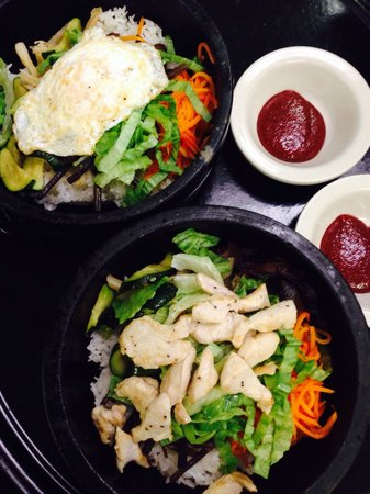 Shin La : Gopdol Bibimbap with egg and chicken