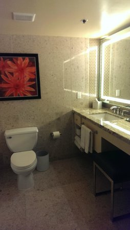 The Mirage Hotel & Casino: Bathroom