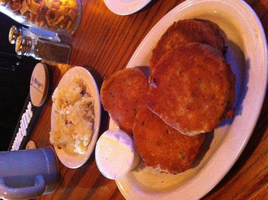 Metzgers German Restaurant : Potato pancakes