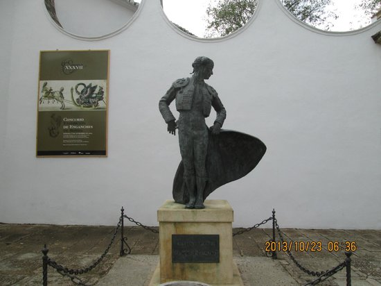 Plaza de toros de Ronda: Statue of a Bullfighter