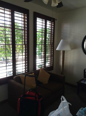Best Western Plus Hacienda Hotel Old Town: Sitting area, (Wife used it for her make up area)