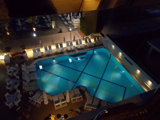 Hotel Cettia Beach Resort: Pool area