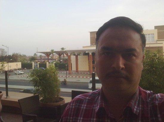 Red Hotel Marrakech: Otelden kent meydanı...