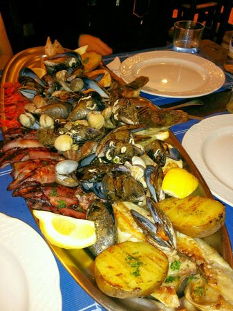 Casa do Pulpo: What a sea food platter !