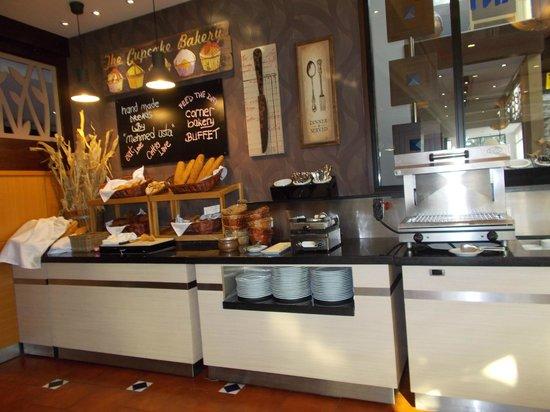 Hotel Cettia Beach Resort: Bread