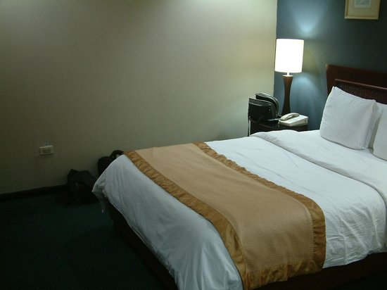 Hodelpa Centro Plaza Hotel: COMFORTABLE BED