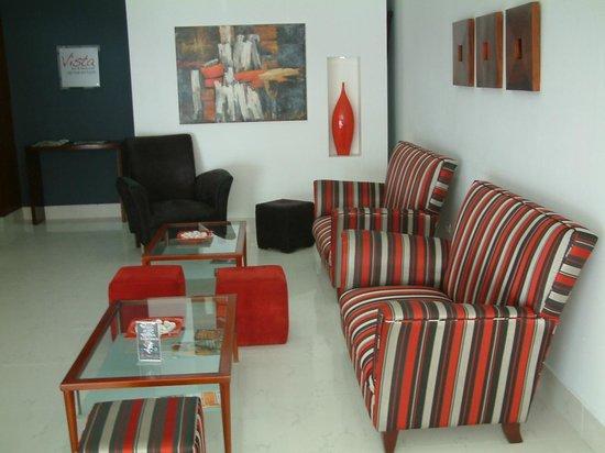 Hodelpa Centro Plaza Hotel : 1ST FLOOR LOBBY AREA